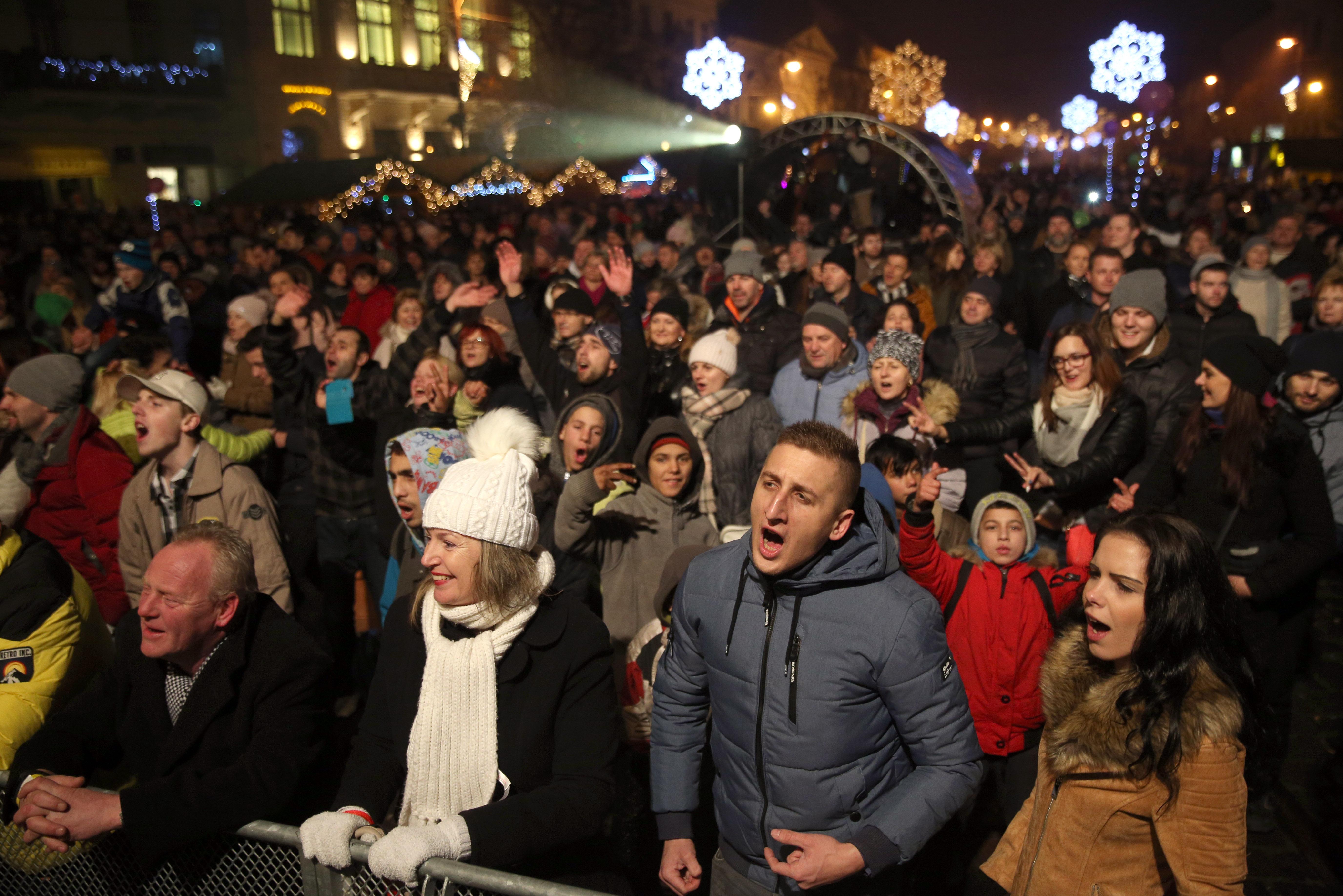 Košičania prišli osláviť príchod nového roka na Hlavnú ulicu