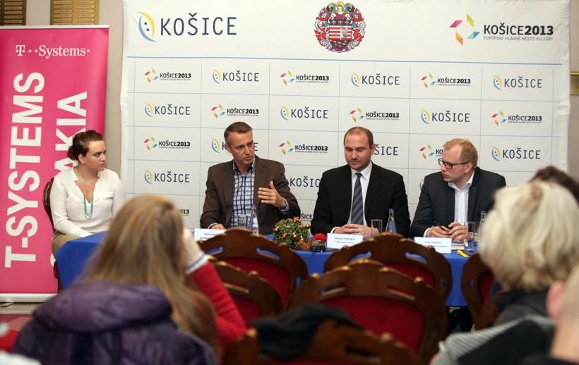 Hackathon predstavili predstavitelia spoločnosti T-Systems, Technickej univerzity a Mesta Košice