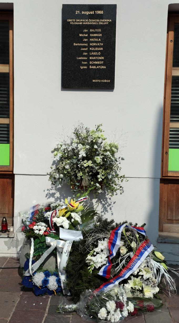Pamätná tabuľa obetiam okupantov