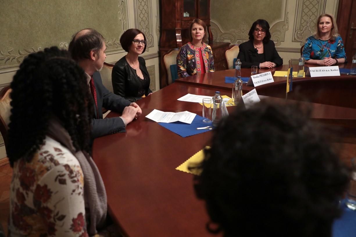 Viceprimátorka Lucia Gurbaľová v rozhovore s talianskymi študentami