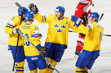 Persson paces Sweden to 3-0 win over Austria