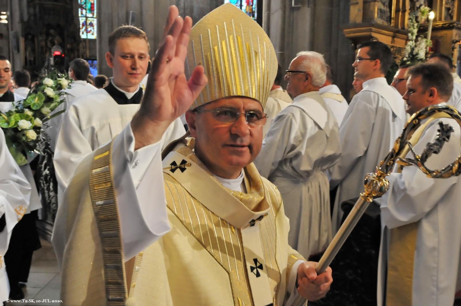 Nový arcibiskup Mons. Bernard Bober