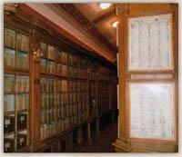 Pôvodný interiér archívu z konca 18. storočia, zoznam richtárov a tribúnov ľudu mesta