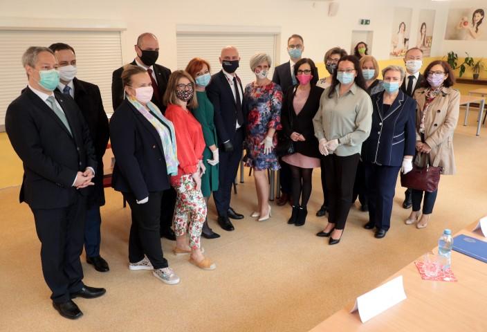 Minister Gröhling navštívil košické základné školy
