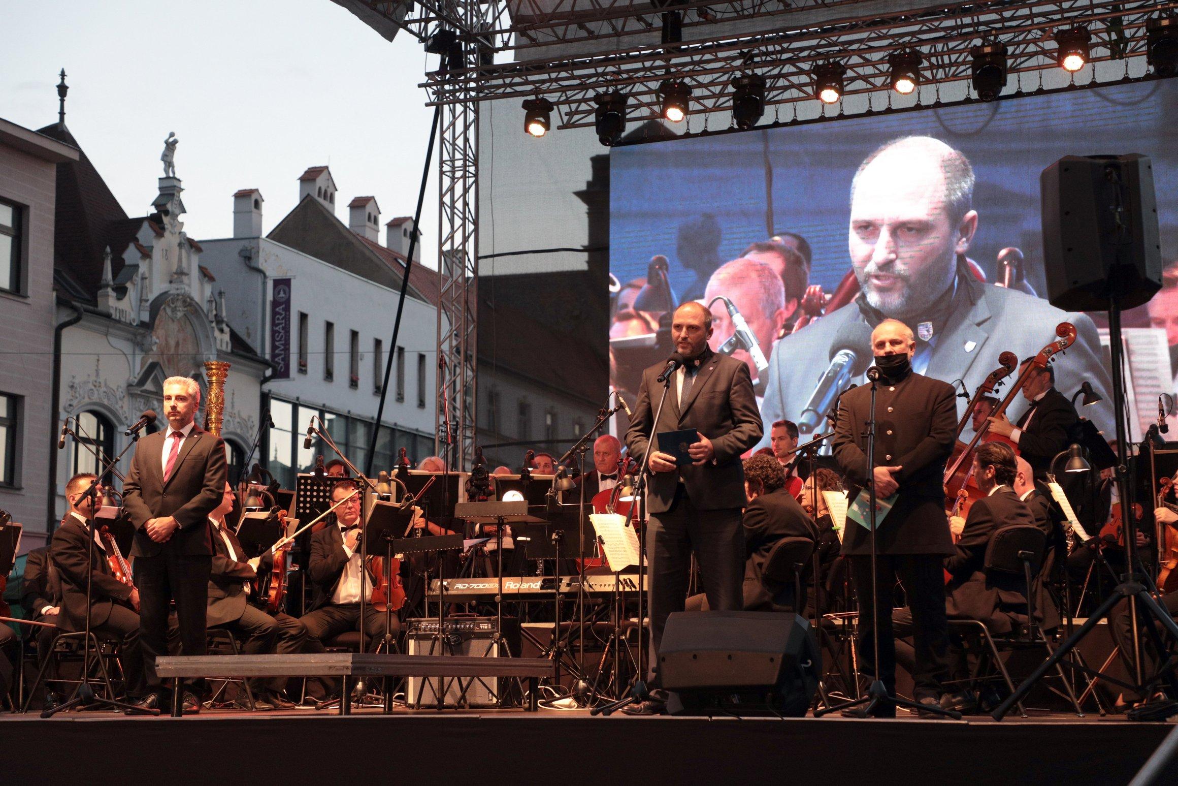KoncertUctaHrdinom13