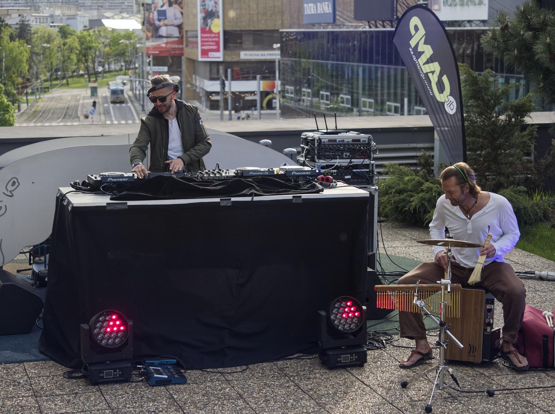 DJsOnAir15