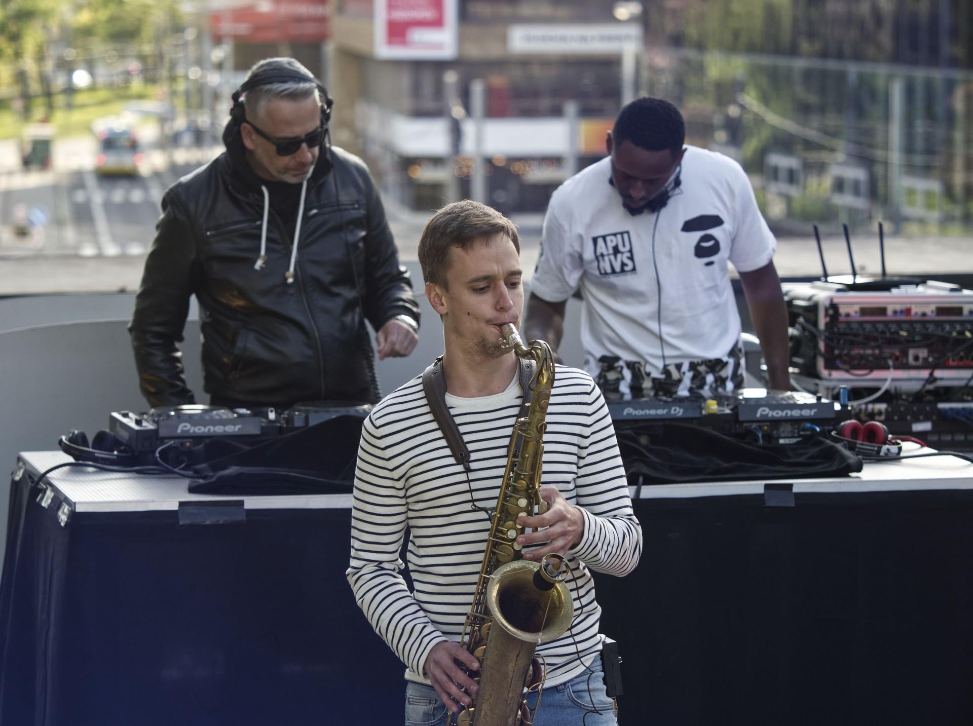 DJsOnAir20