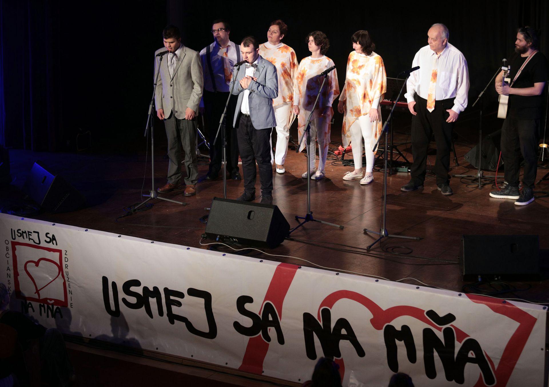 KoncertUsmejSaNaMna13