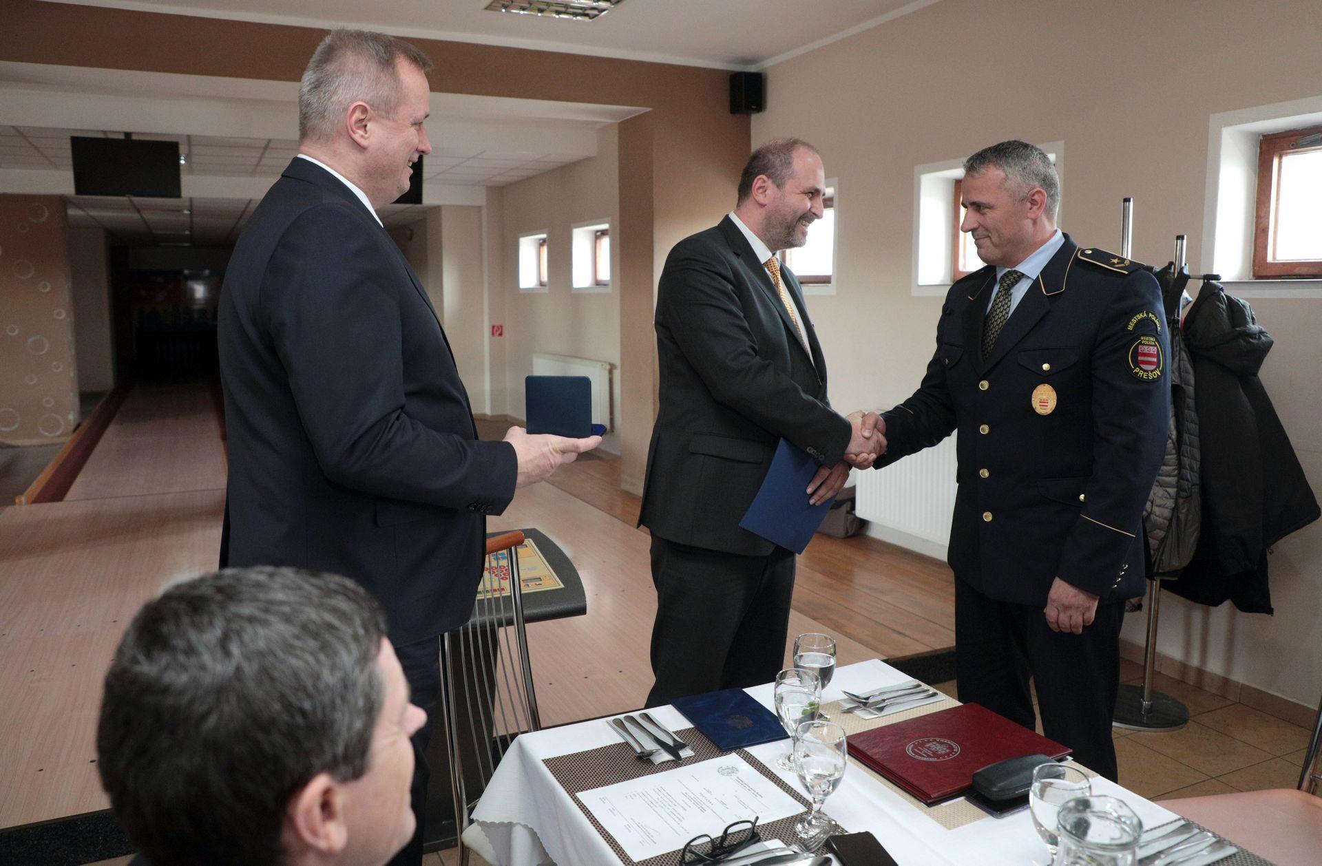 OcenovanieMestskychPolicajtov10