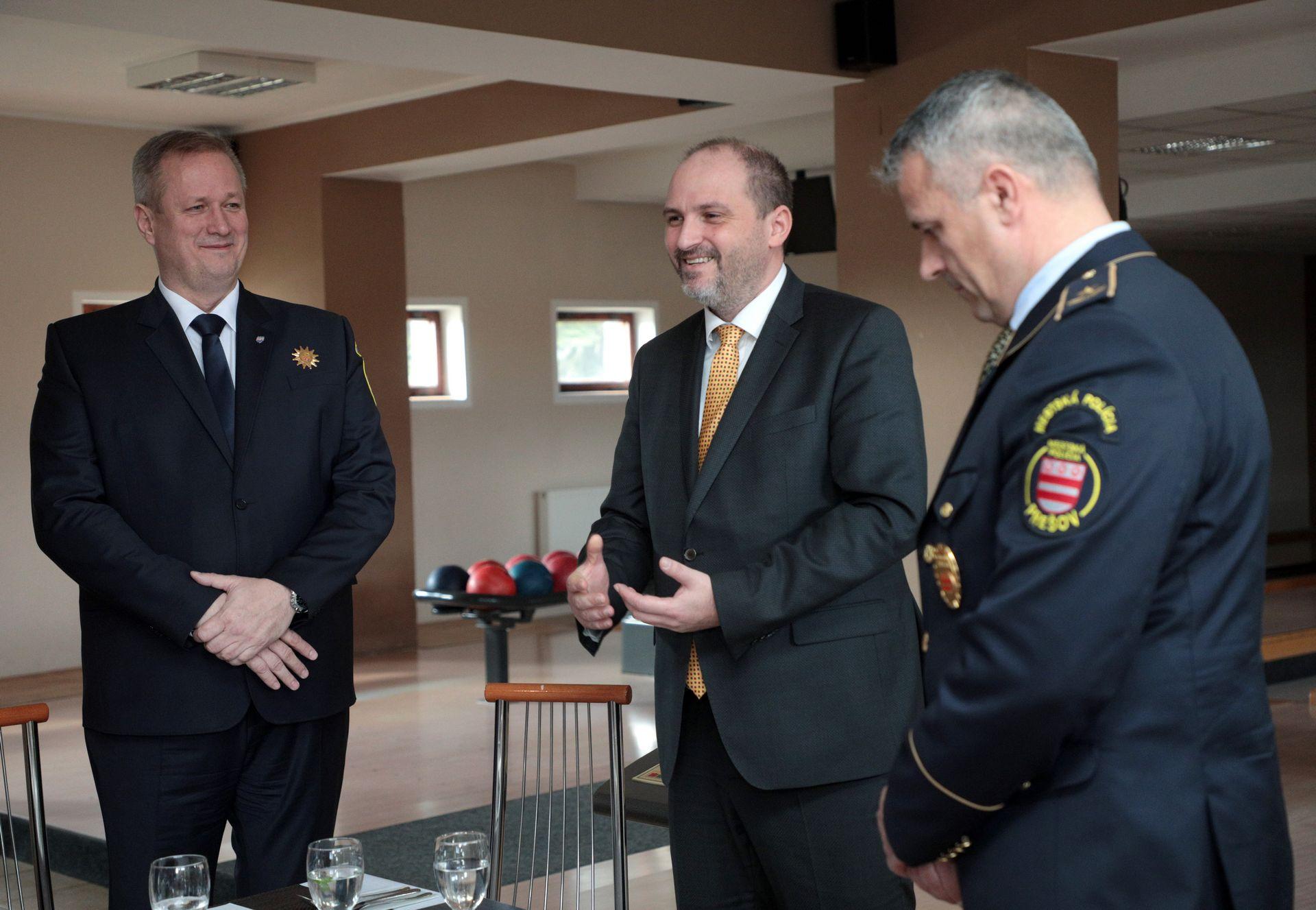 OcenovanieMestskychPolicajtov17
